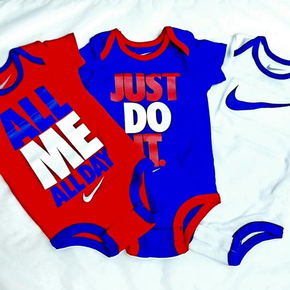 timeless design edb04 afc52 Nike Infant 3 piece set - Baby Onesie  0-6M